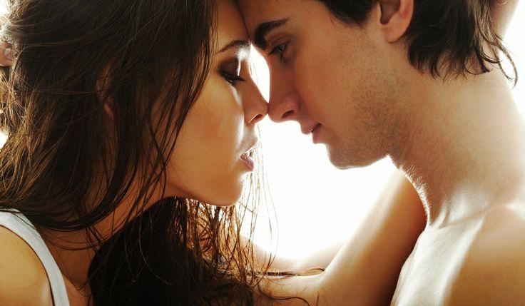 Un hombre que seduce a una mujer